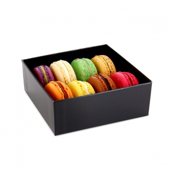 Assortment of 8 macaroons