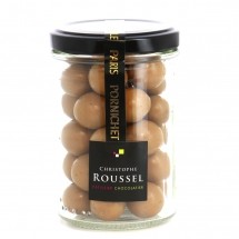 Hazelnuts coated with gianduja