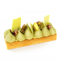 Pistachio and blossom flower pie
